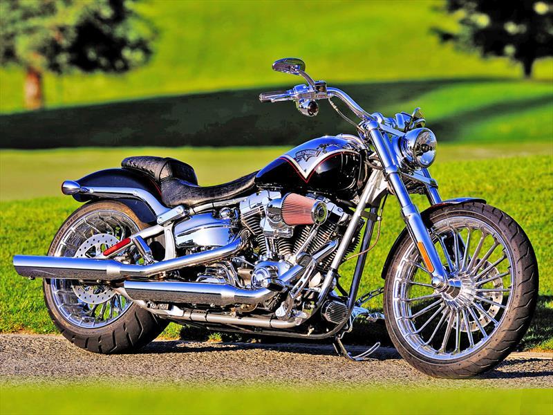 Llega a Chile la nueva CVO Breakout de Harley-Davidson - Autocosmos.com