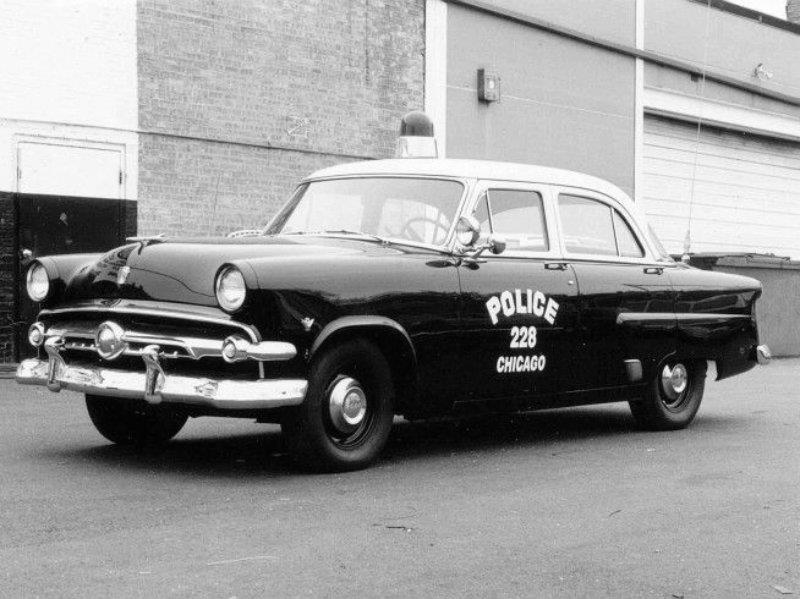 Del Ford Mainline al Responder Hybrid Sedán: 68 años de evolución