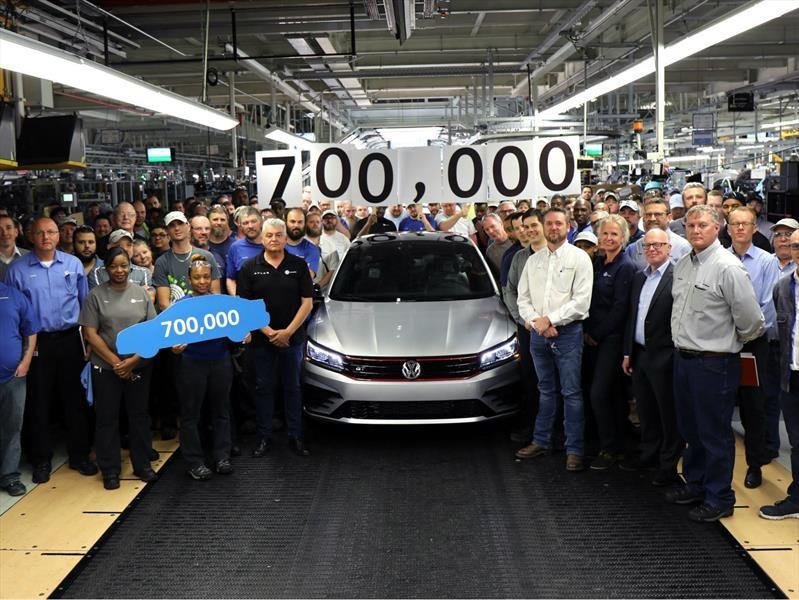 Volkswagen alcanza 700,000 unidades producidas del Passat en la planta de Chattanooga
