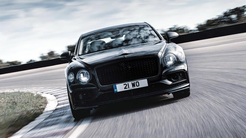 Nuevo Flying Spur es el primer Bentley en contar con dirección en ambos ejes