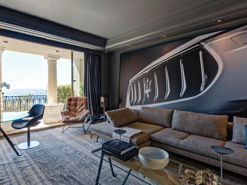 Suite del Hotel de Paris al estilo Maserati