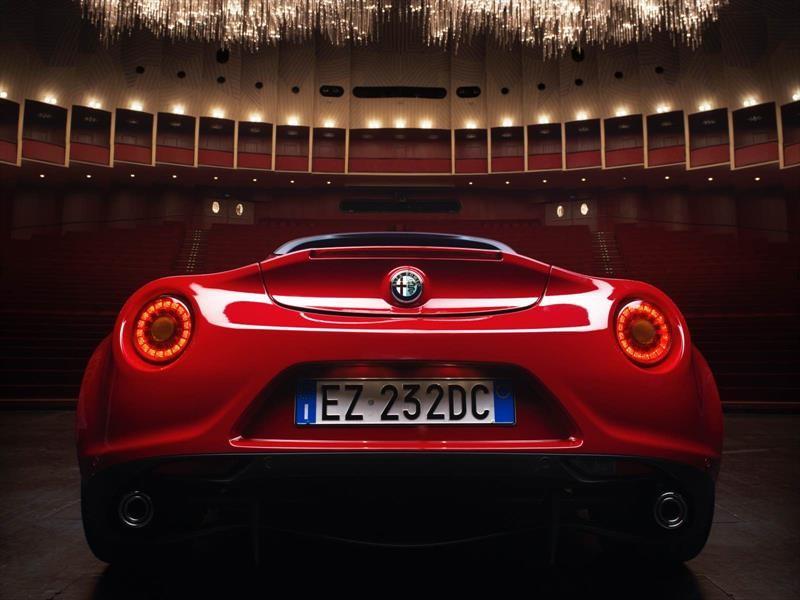 Alfa Romeo relanza los 8C y GTV y anuncia dos nuevos SUV