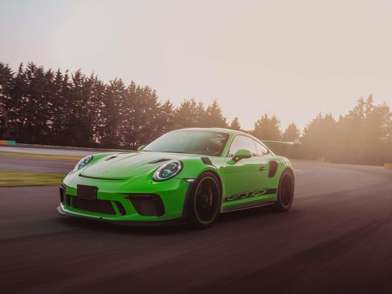 Porsche 911 GT3 RS 2018 a prueba ¡Una ágil lagartija verde que está suelta en la pista!