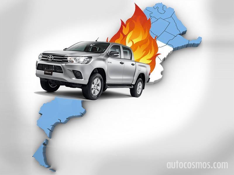 Una Toyota Hilux en llamas recorre Argentina