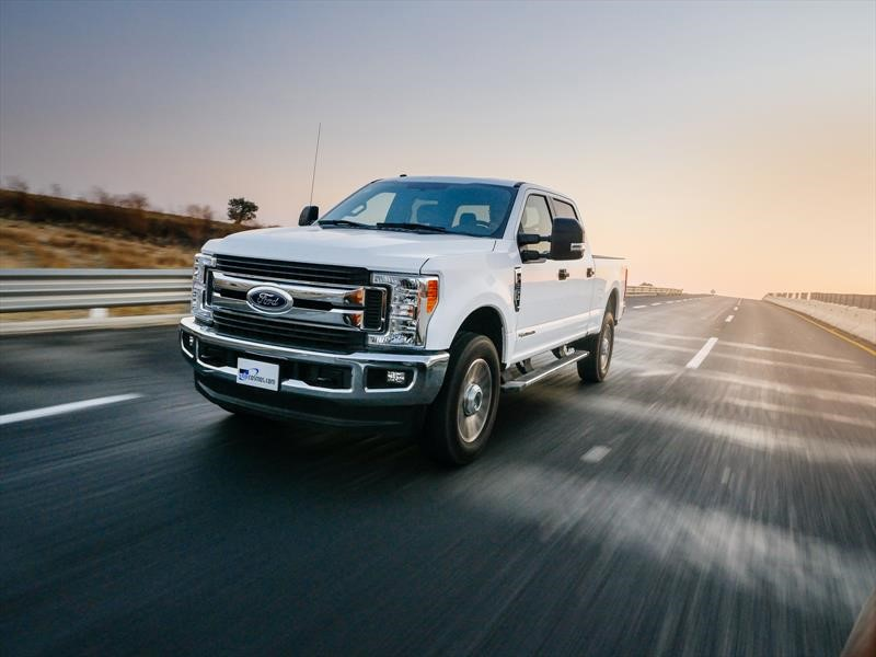 Manejamos la Ford F-250 2018