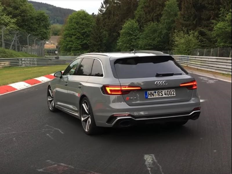 Video: Audi RS4 Avant es más rápido que el Dodge Viper