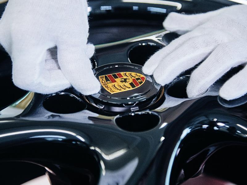 Porsche apuesta por la inteligencia artificial en los automóviles