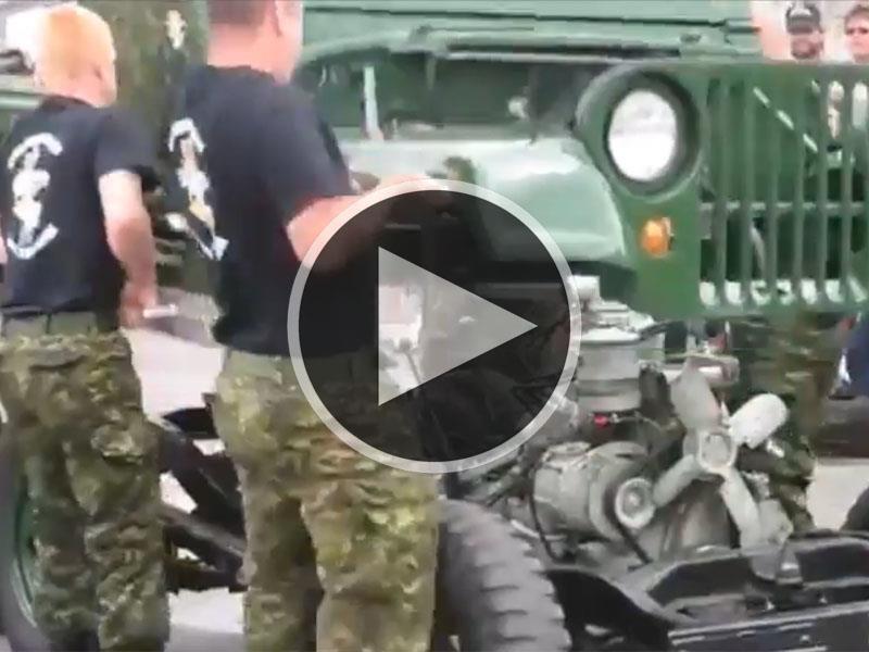 Militares desarman un Jeep en menos de 2 minutos