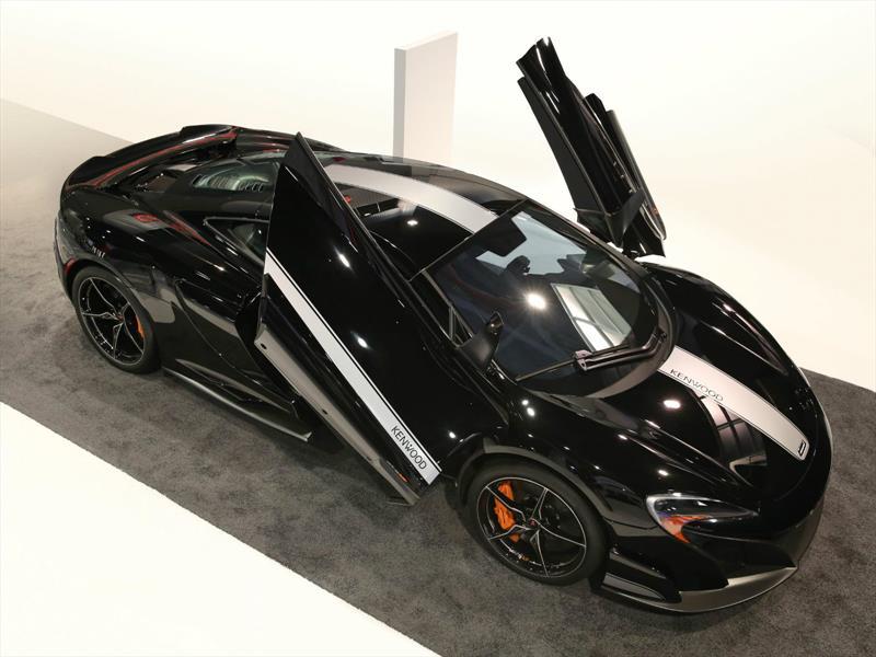 McLaren 675LT Coupé por JVCKENWOOD