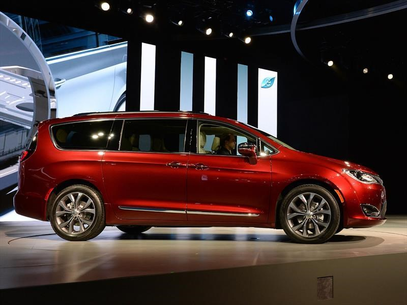 Chrysler Pacifica gana  el North American Utility of the Year 2017