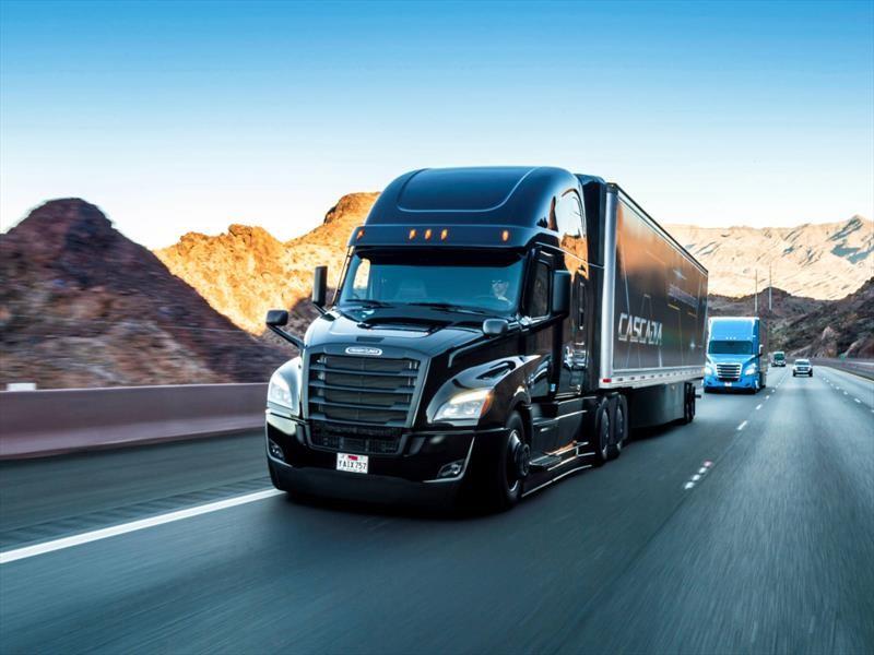 Freightliner Cascadia con conducción autónoma se lanza en el CES 2019