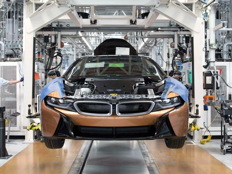 BMW i8 Roadster, arranca la producción