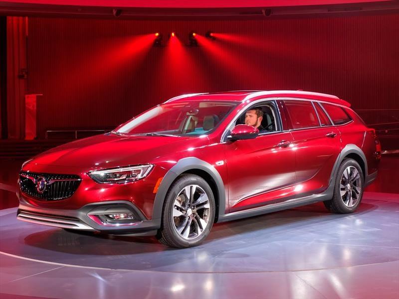 Buick Regal 2018, ahora en hatchback y station wagon