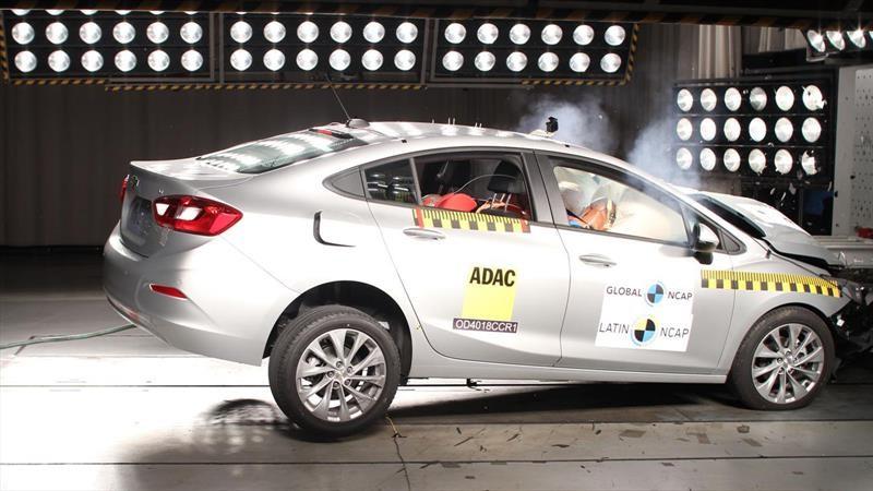 Chevrolet Cruze alcanza las 5 estrellas en Latin NCAP