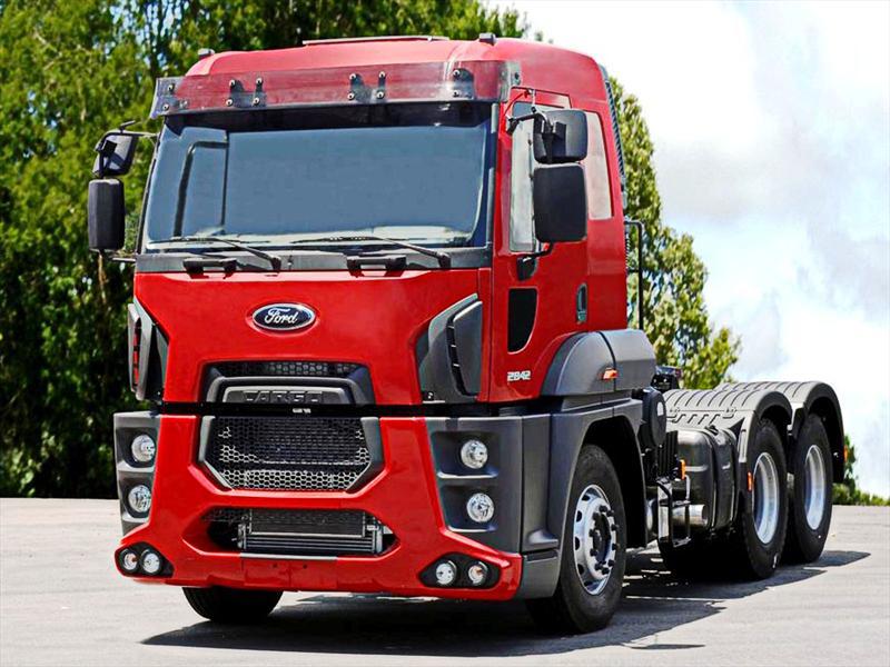 Ford presentó en Brasil el Cargo 2842, un camión extra-pesado ...