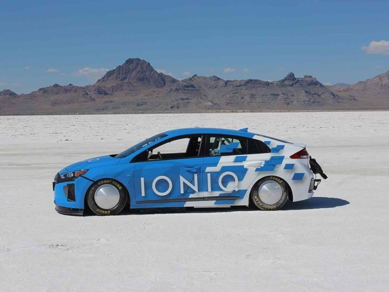 Hyundai IONIQ se convirtió en el híbrido más rápido del mundo