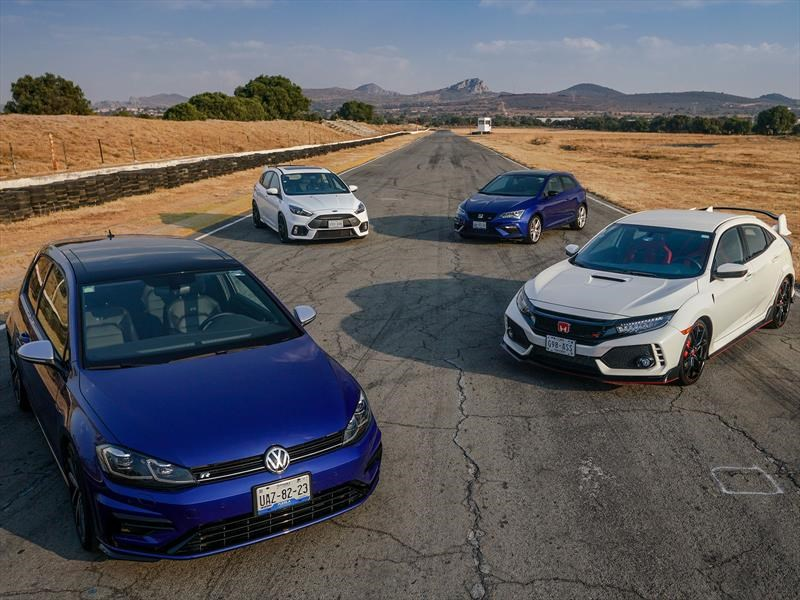 Comparativo: 4 Súper Hot Hatchbacks en pista