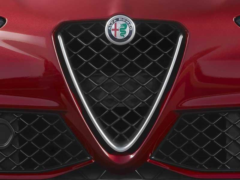 Alfa Romeo estrena logotipo