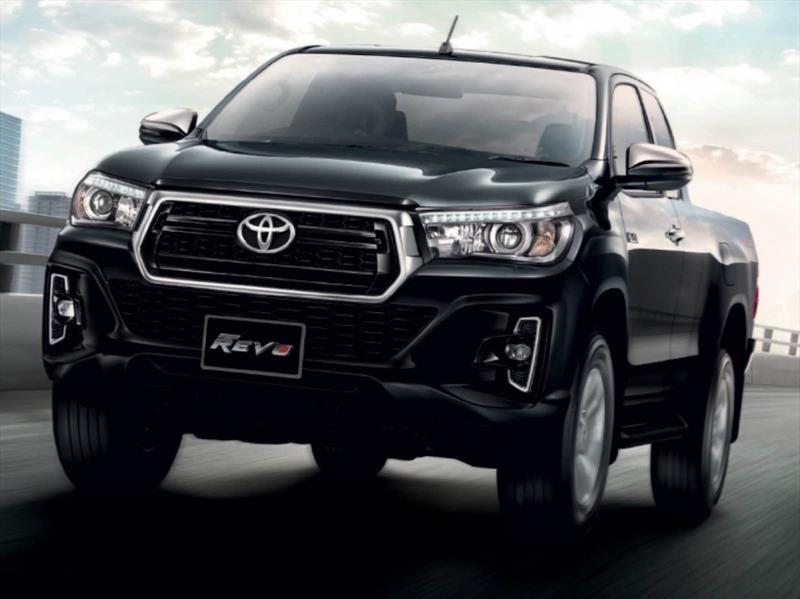 Toyota Hilux 2018, la invencible recibe un nuevo rostro ...