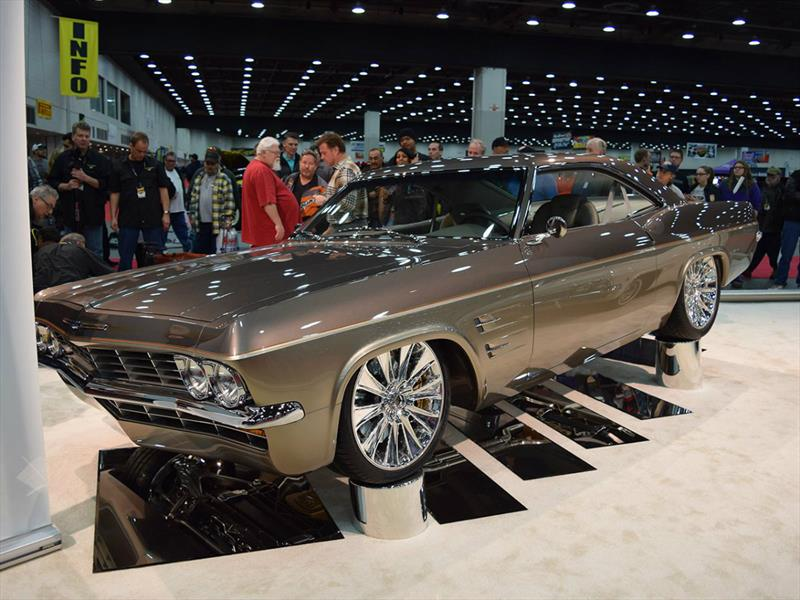 Alma Chevrolet Impala >> Un Chevrolet Impala 1965 con alma de Corvette, el mejor Hot Rod de 2015 - Autocosmos.com
