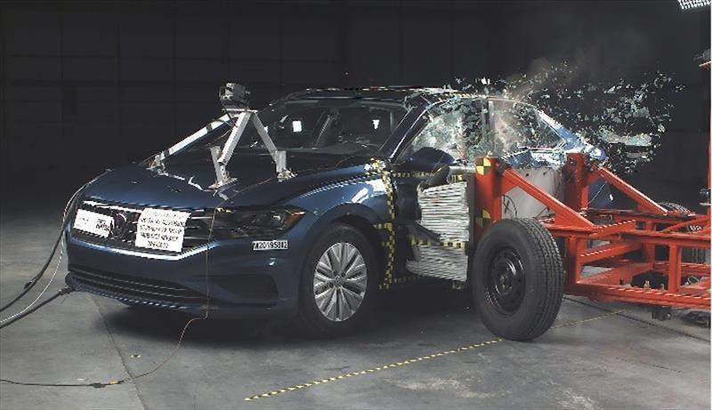 Volkswagen Jetta 2019 obtiene 5 estrellas en pruebas de choque de la NHTSA