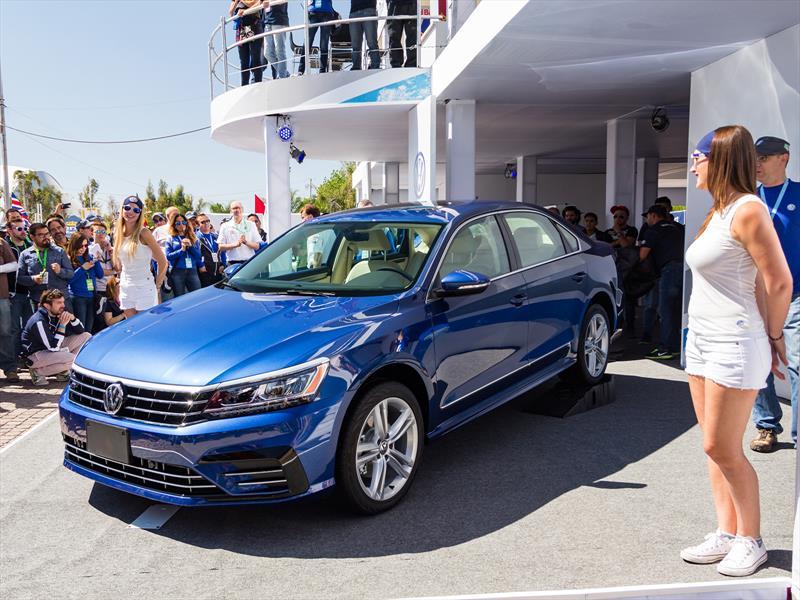 Volkswagen Passat R-Line 2016 llega a México en $436,000 pesos