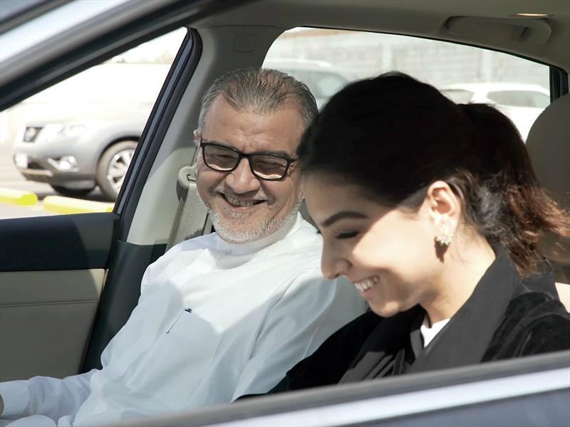 Nissan ayuda a las mujeres de Arabia Saudita a aprender a manejar
