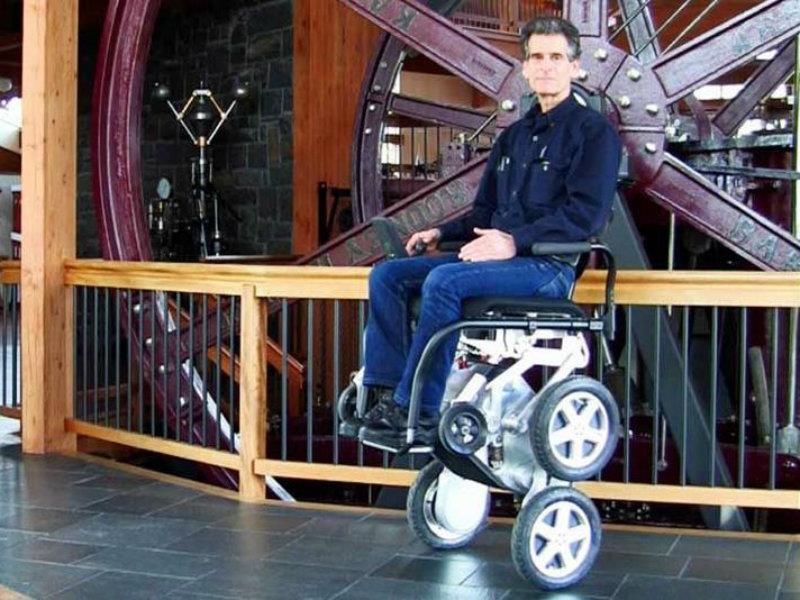 Ibot la silla de ruedas que puede subir y bajar escaleras for Sillas para subir y bajar escaleras