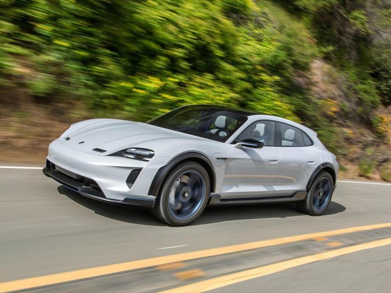 Porsche sacará de ruta al Taycan con una versión crossover