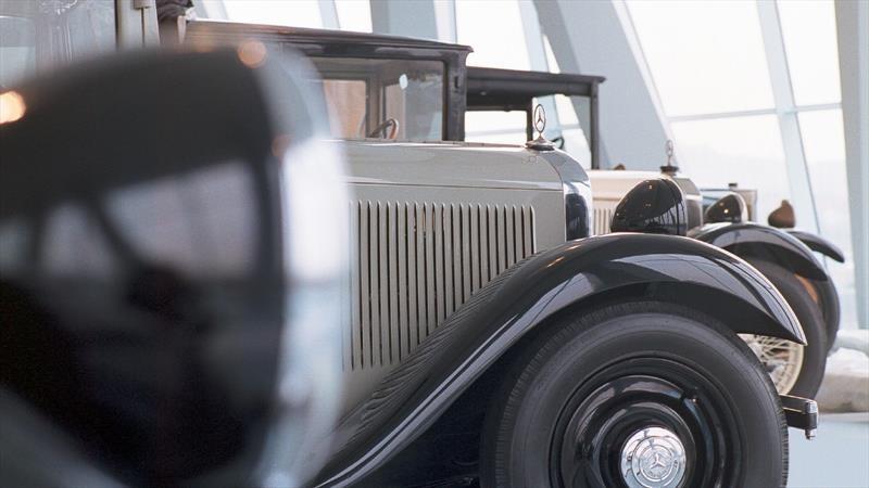 Que esté cerrado no significa que no se pueda visitar el Museo Mercedes-Benz
