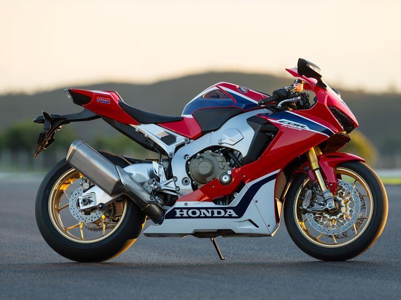 Honda lanza dos motos para el segmento super-sport