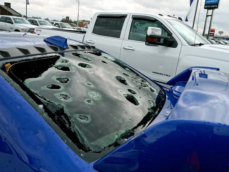 Granizo daña cientos de autos en un distribuidor Chevrolet