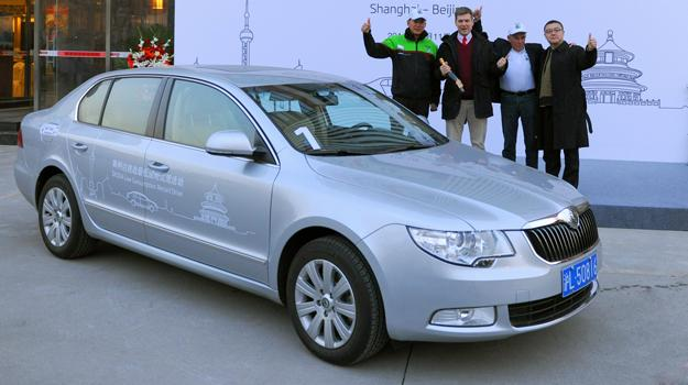 Skoda Superb 1.4 TSI recorre 1.200 kilómetros con sólo 60 litros de bencina
