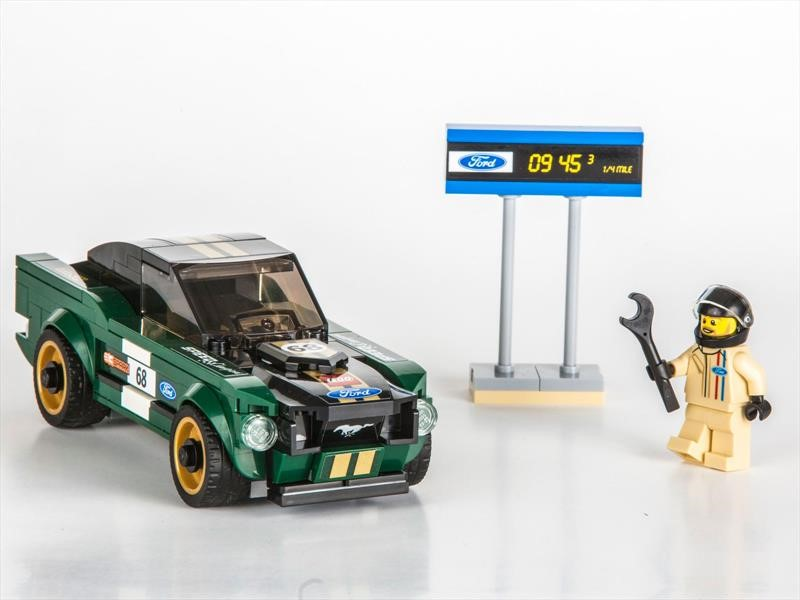 Lego lanza un Ford Mustang Fastback 1968