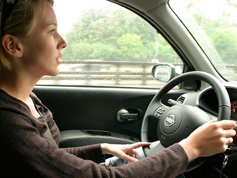 Mujeres vs hombres ¿quién es mejor al volante?