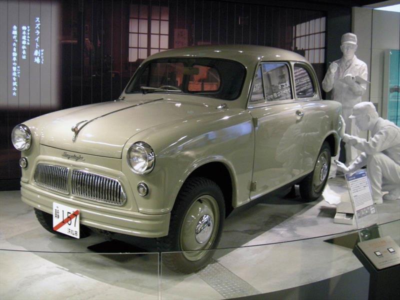 Suzuki Suzulight, el primer auto de la marca japonesa