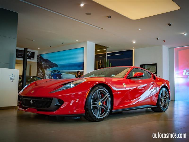 Ferrari 812 Superfast En Chile Lo Mejor De Dos Mundos Autocosmos Com