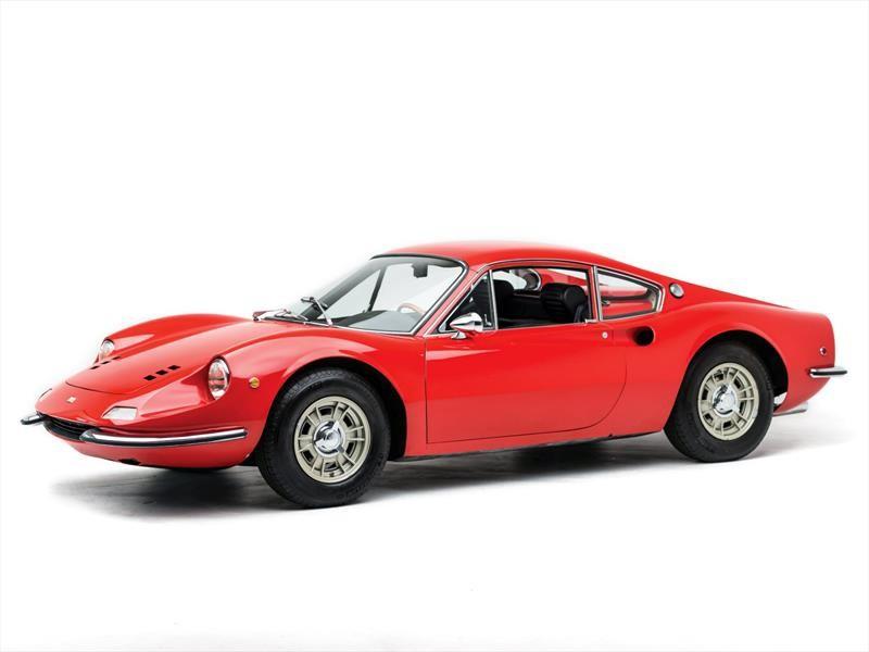 Ferrari Dino festeja su 50 aniversario y de paso impone récord