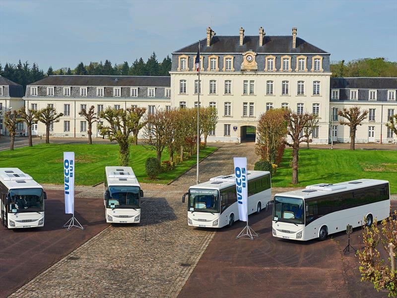 Iveco entrega 159 autobuses al Ministerio de Defensa de Francia