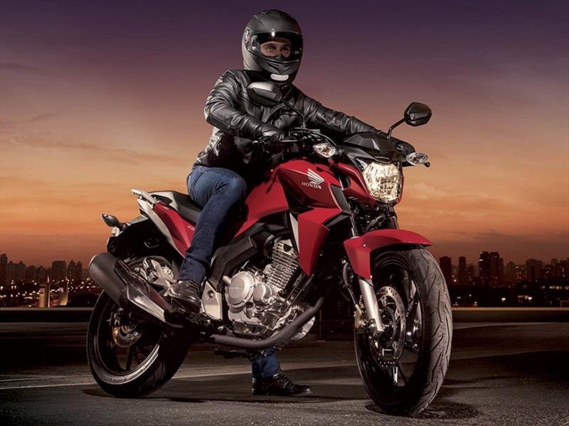 Ducati Monster 2021, la poderosa naked italiana llegará a