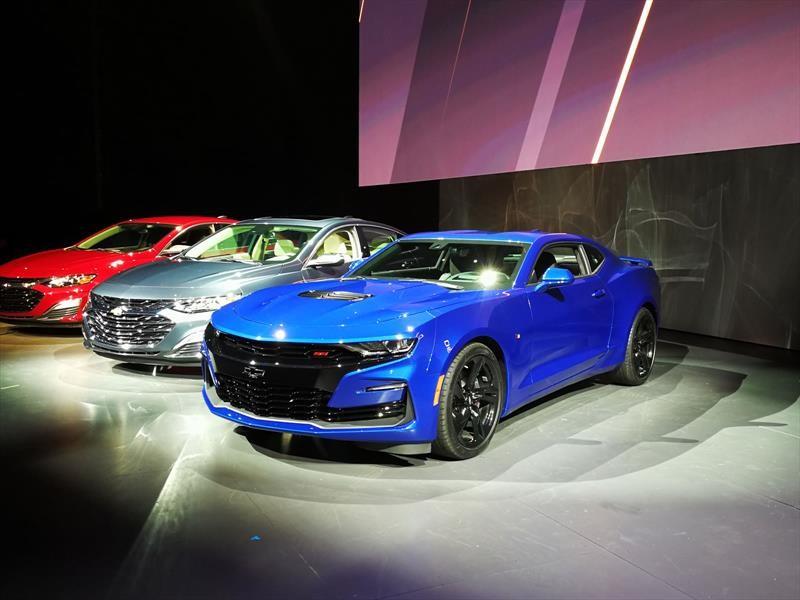 Chevrolet Camaro 2019, estrena look y caja de 10 velocidades