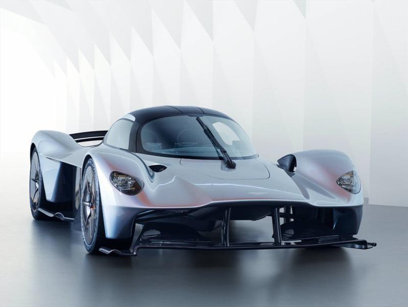 Deja que el sonido del V12 del Aston Martin Valkyrie te enamore