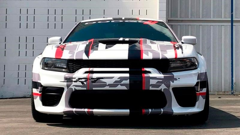 Este Dodge Charger con Widebody ve aumentada su musculatura