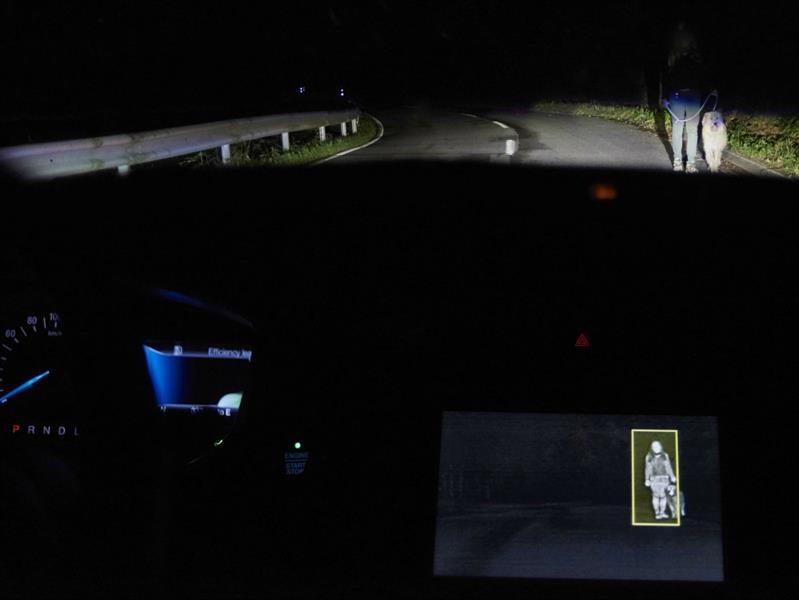 Ford crea un sistema de iluminación que utiliza cámaras y GPS