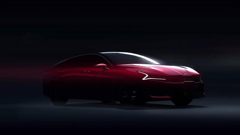 KIA Optima 2021, el primo lejano del Hyundai Sonata comienza a destaparse