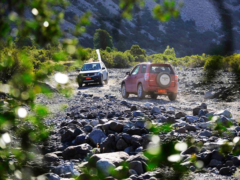 Suzuki estrena en Chile los nuevos Grand Nomade, Grand Vitara y SX4 2013