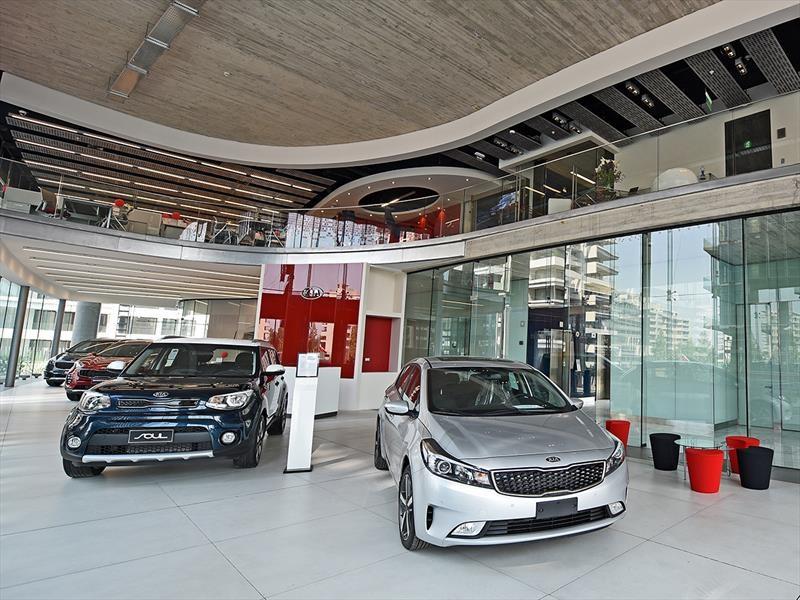 Indumotora y Kia inauguran nueva casa matriz y showroom