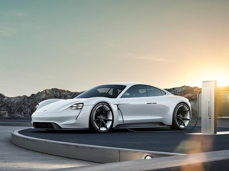 Porsche Taycan es el nuevo rival del Tesla Model S
