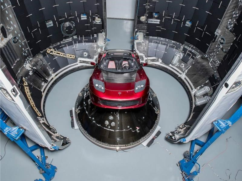 Tesla Roadster viaja al espacio