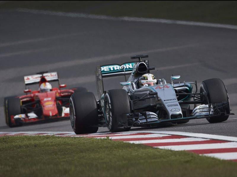 F1: otro triunfo para Hamilton y Mercedes en China